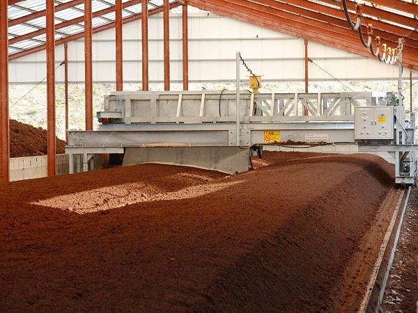 堆肥の自社製造工場